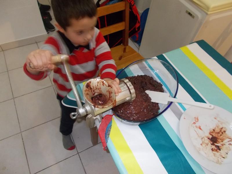 Recette pâté de grive - Hacher les ingrédients